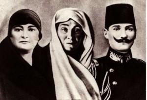 atatürkün aile fotoğrafı